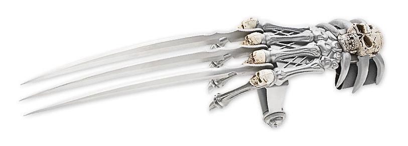 Master Cutlery Skull Gauntlet